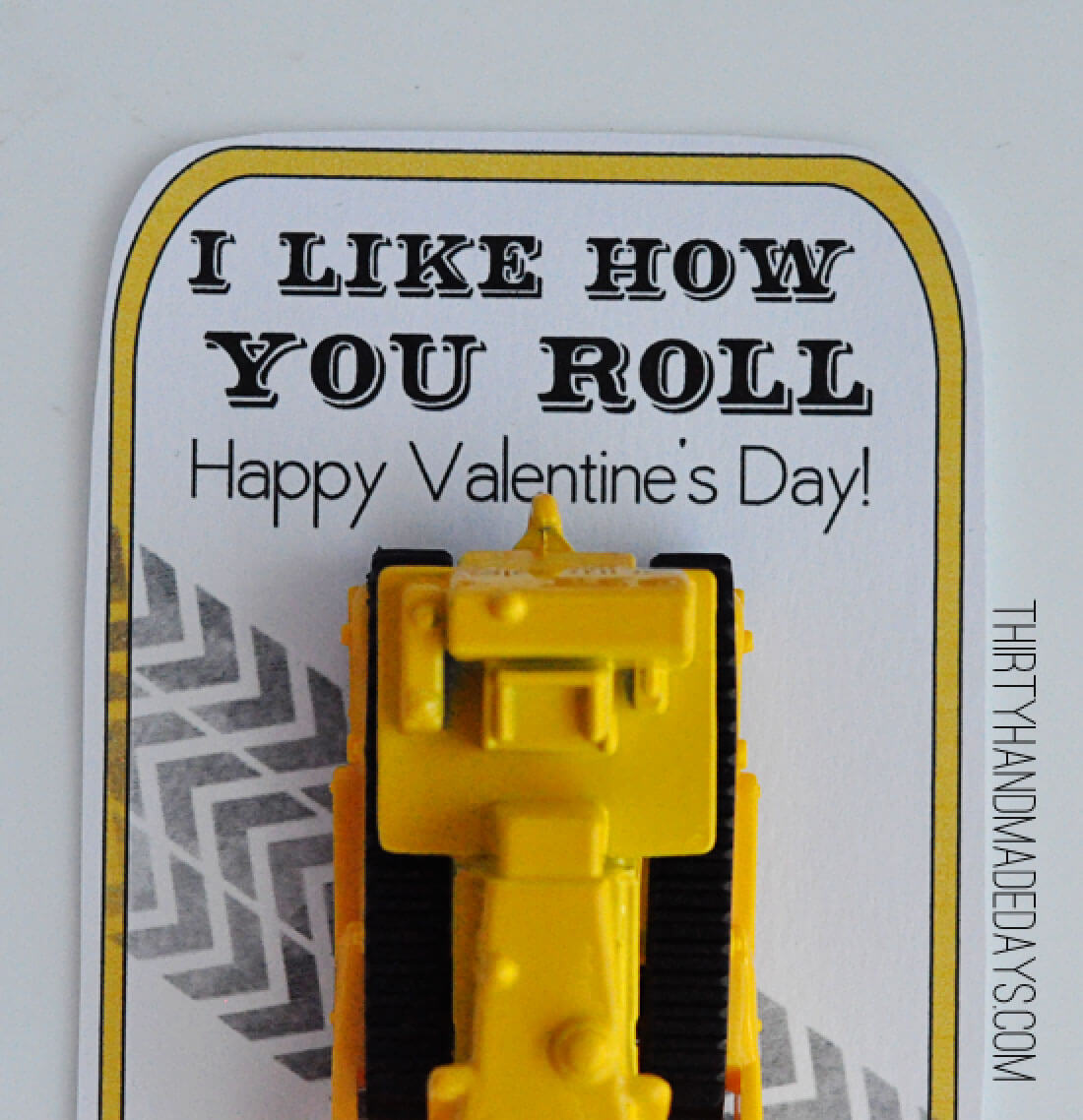 "Printable Valentines Day Ideas - this ""I like how you roll"" is perfect for boys! via www.thirtyhandmadedays.com"