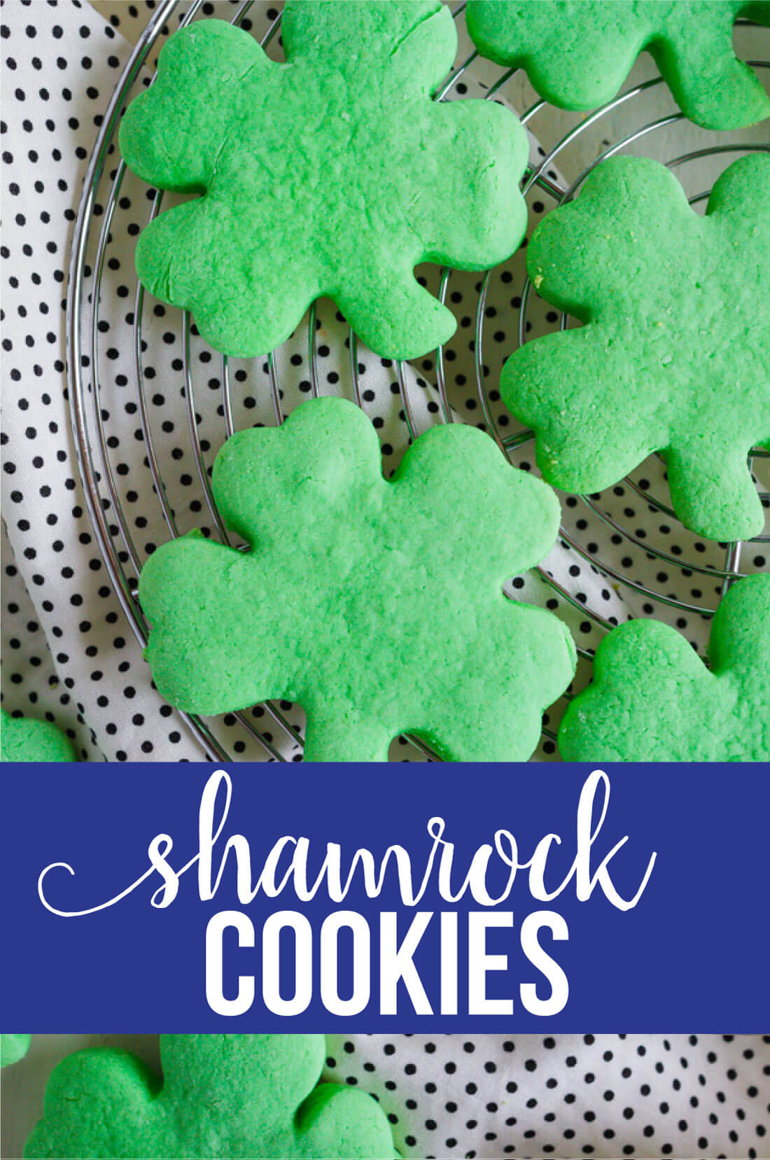 Shamrock Cookies -make these simple St. Patrick's Day treats to celebrate the holiday. www.thirtyhandmadedays.com