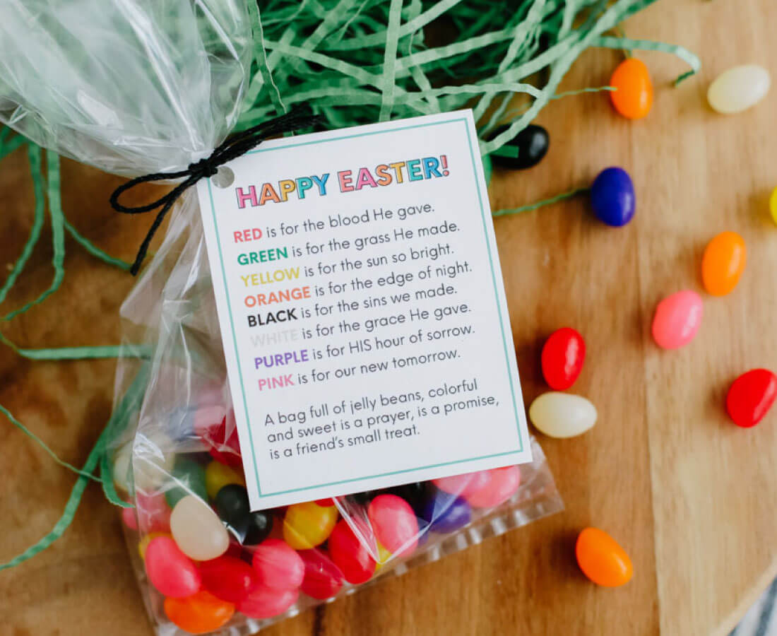 Easter treat Jelly Bean poem printable with jelly beans and Easter decorations
