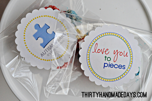 Autism Awareness labels www.thirtyhandmadedays.com