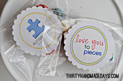 Autism Awareness labels www.thirtyhandmadedays.com