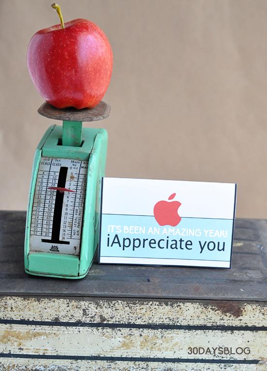 Teacher Gift Idea- Apple Gift Card Template www.thirtyhandmadedays.com