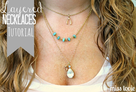 Layered Necklace Tutorial - Bright diy layered button necklace