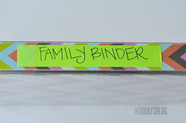 Make a family binder with these printables from www.thirtyhandmadedays.com