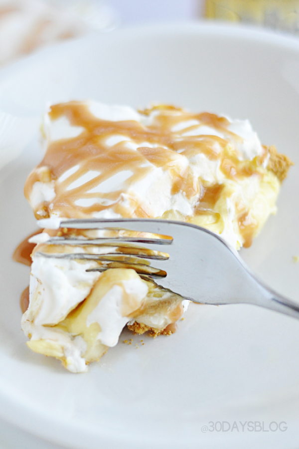Simple Banana Cream Pie with a Twist www.thirtyhandmadedays.com