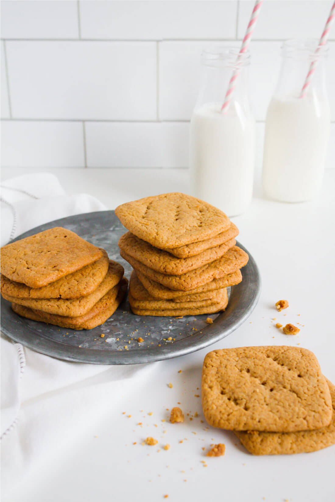 Homemade Graham Crackers - they are easier to make than you might think! via www.thirtyhandmadedays.com