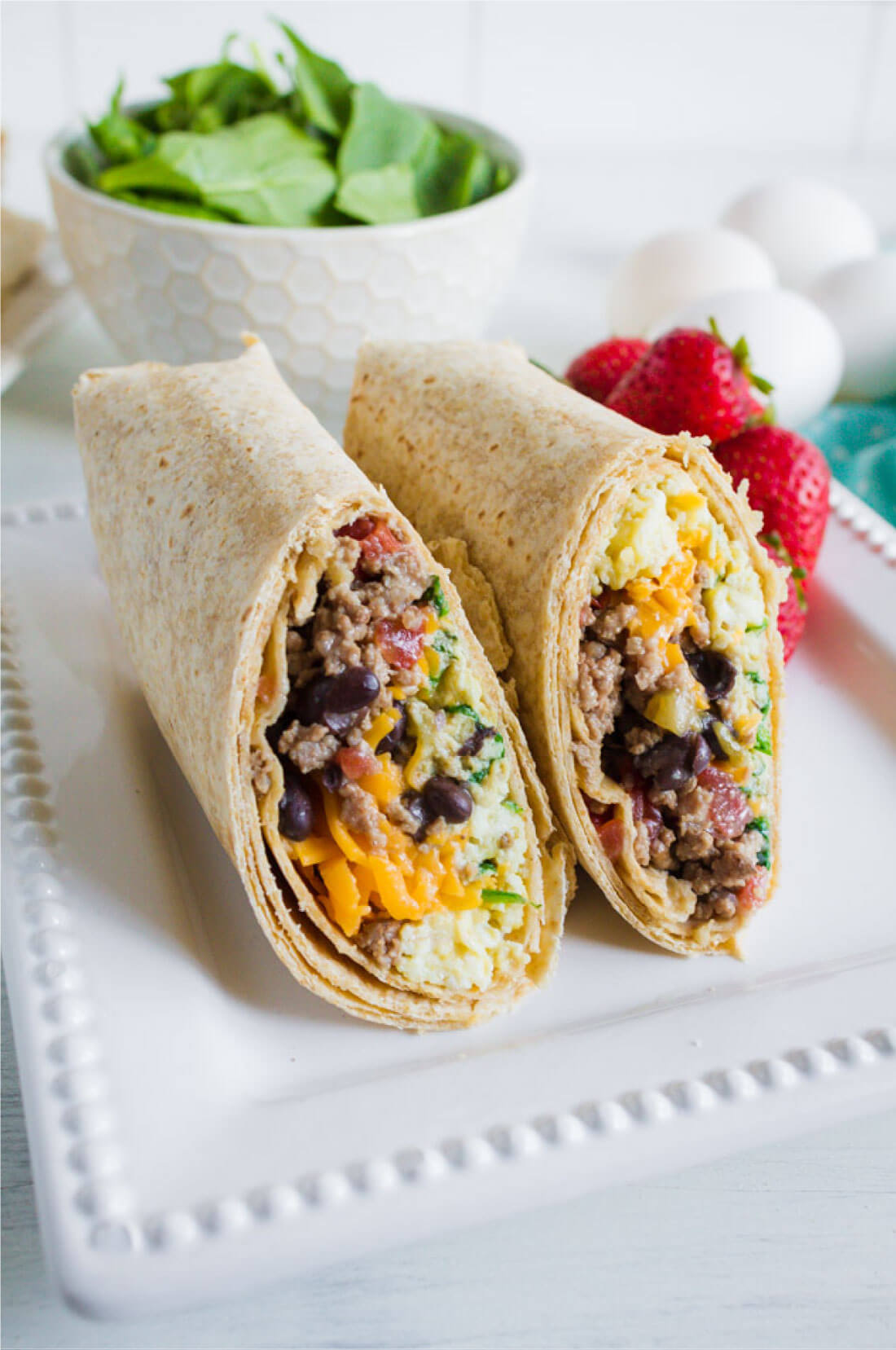 Protein Packed Breakfast Burritos - make these ahead to reheat throughout the week www.thirtyhandmadedays.com