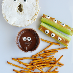SO simple and silly- halloween food ideas, perfect for snacks! www.thirtyhandmadedays.com