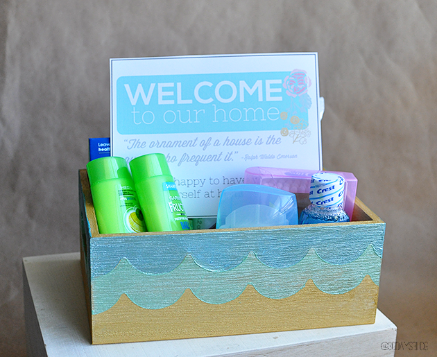 Guest Gift Ideas: Welcome to my home box with cute printable. Perfect to welcome any guest! www.thirtyhandmadedays.com
