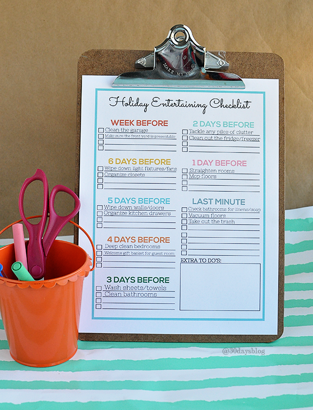 Holiday Cleaning Tips - use this printable checklist to help reduce stress during the chaos of the holidays and entertaining. www.thirtyhandmadedays.com
