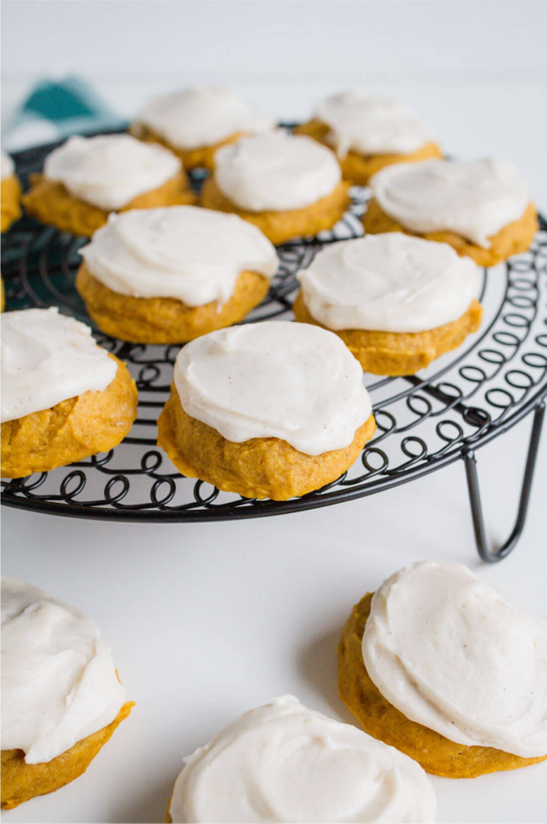 Frosted Pumpkin Cookies - make this amazing pumpkin recipe for the fall!