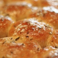 Garlic Herb Dinner Rolls