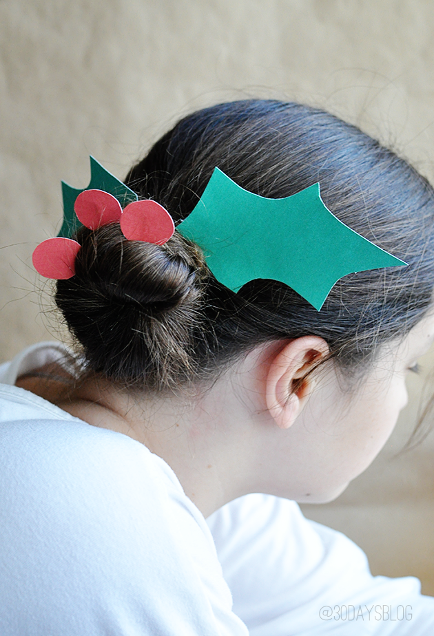 Christmas Hairstyles- Holly Leaf Hairdo Tutorialwith printables www.thirtyhandmadedays.com