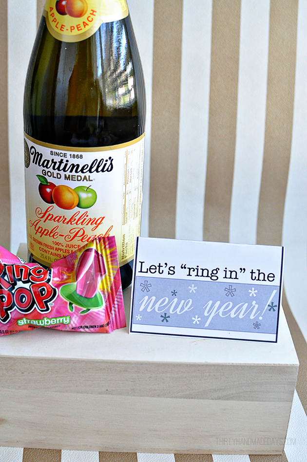 Let's ring in the new year printable gift card holder www.thirtyhandmadedays.com