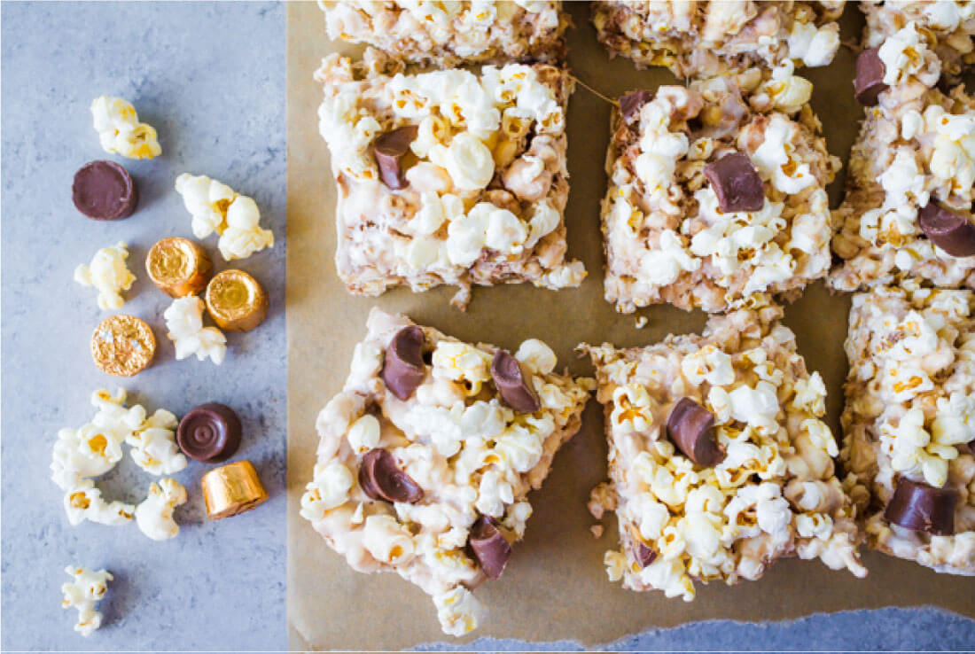 With a handful of ingredients and under ten minutes you get these amazing Candy Popcorn Treats with Rolos. from thirtyhandmadedays.com