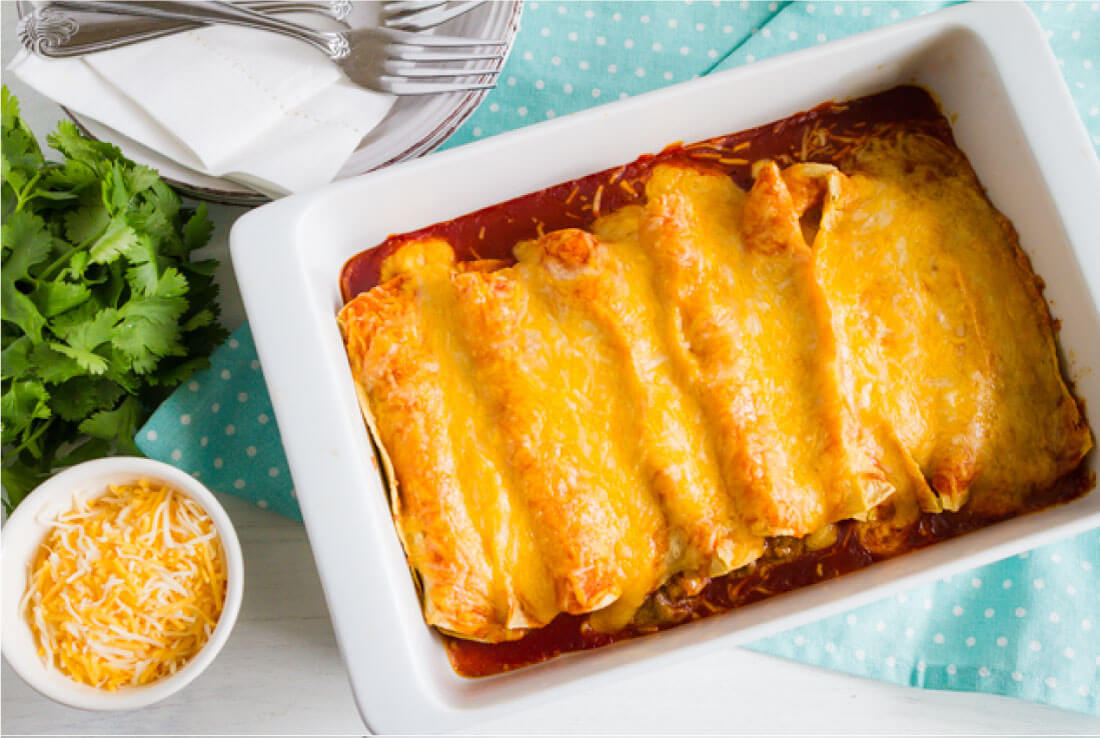 Easiest Homemade Beef Enchiladas Ever! This main dish recipe takes minutes to make.via www.thirtyhandmadedays.com