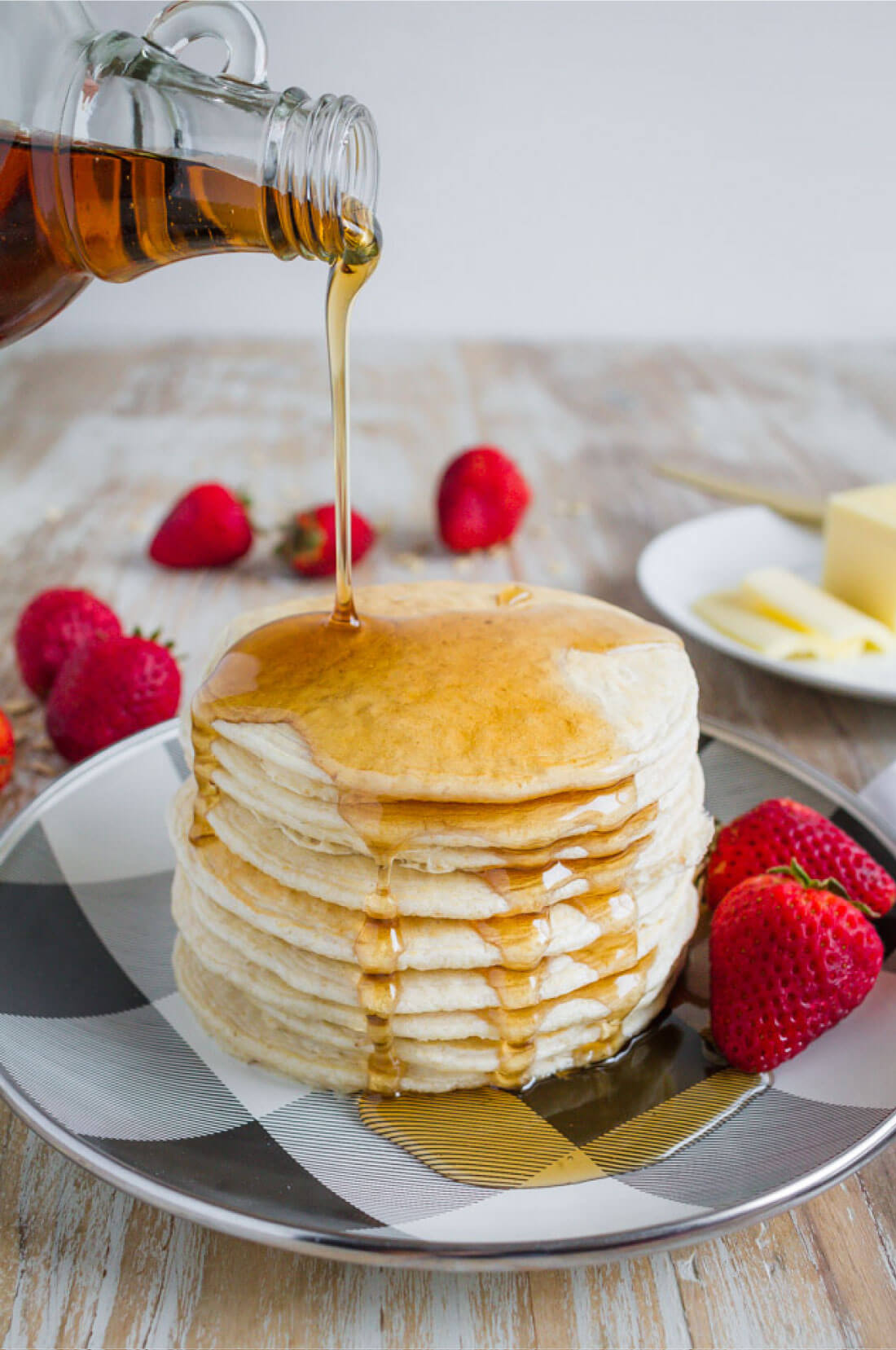Healthy Pancake Recipe - make these 4 ingredient pancakes in the blender! With syrup.