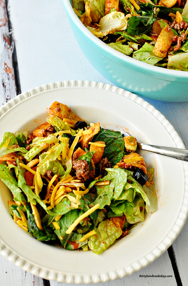 Mom's Taco Salad- simple but delicious salad that's perfect for dinner from www.thirtyhandmadedays.com
