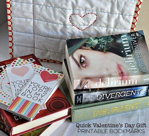 Valentine's Day Printable Bookmarks from www.thirtyhandmadedays.com