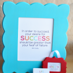 Super cute and easy gift idea- Printable Interchangeable Quotes with cute frame from Cut It Out www.thirtyhandmadedays.com