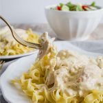 Slow Cooker Zesty Italian Chicken - one of our family favorites. from www.thirtyhandmadedays.com