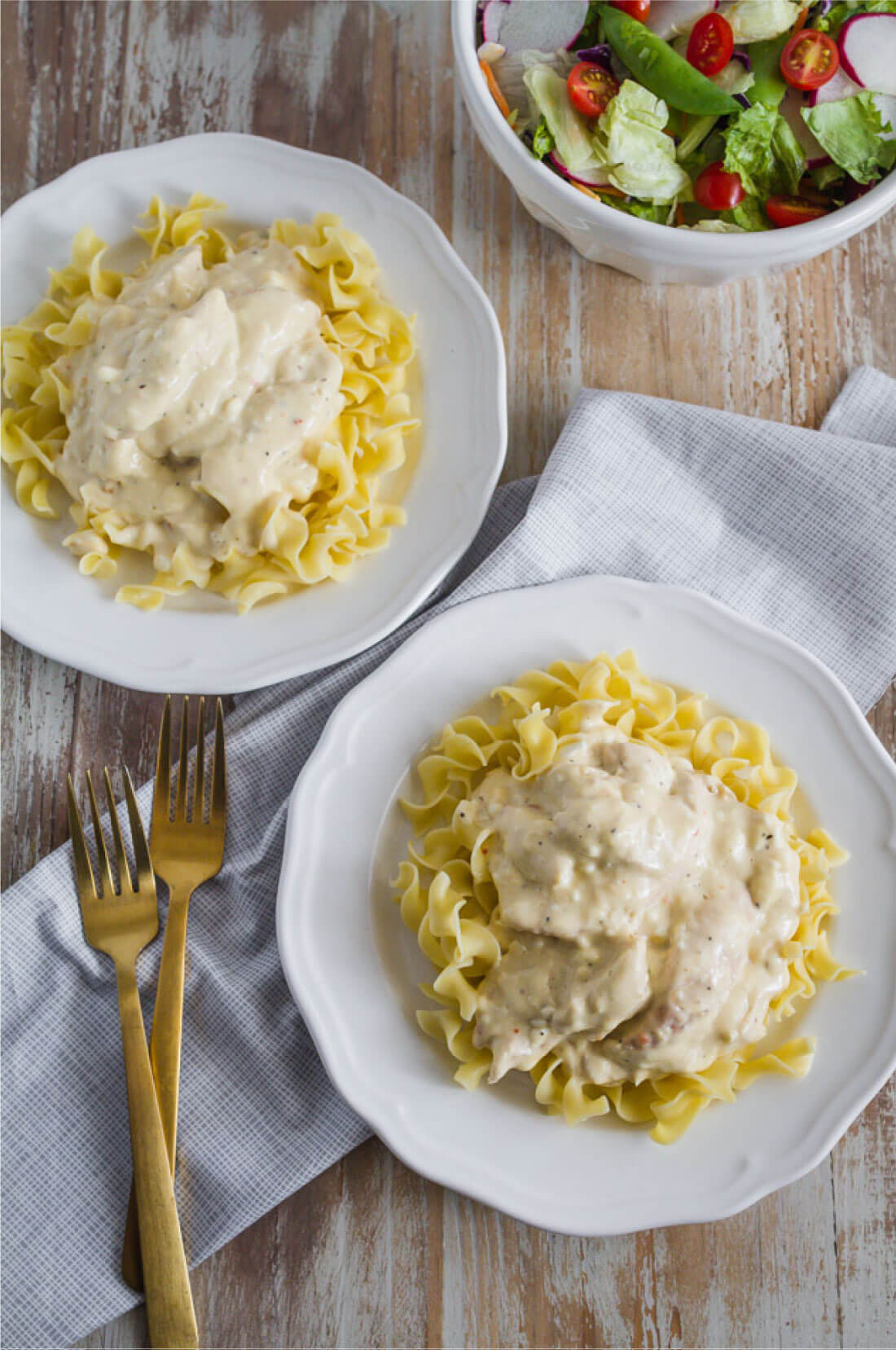 Slow Cooker Zesty Italian Chicken - one of our family favorites. via www.thirtyhandmadedays.com