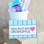 Valentine's day gift idea for iTunes gift card template www.thirtyhandmadedays.com