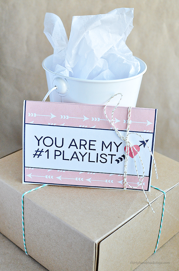 Valentine's Gift Idea - printable gift card template from www.thirtyhandmadedays.com