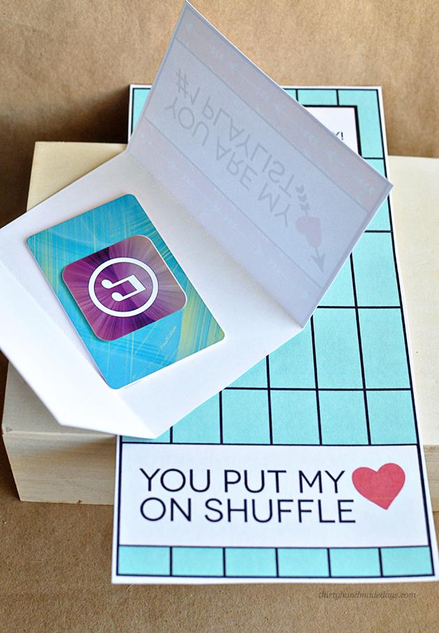 Valentine's Gift Idea - printable iTunes gift card template from www.thirtyhandmadedays.com