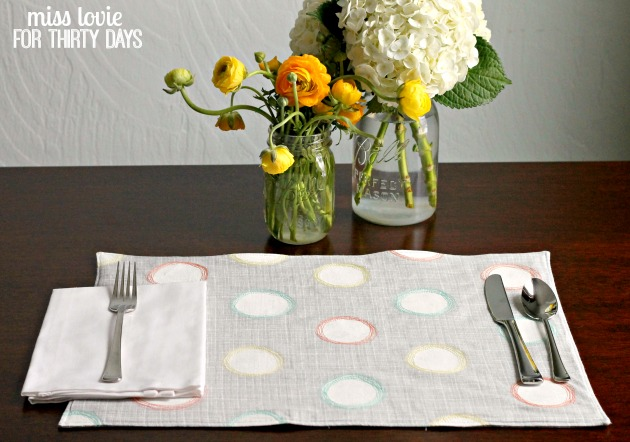 14 Spring Sketchy Dot Placemats