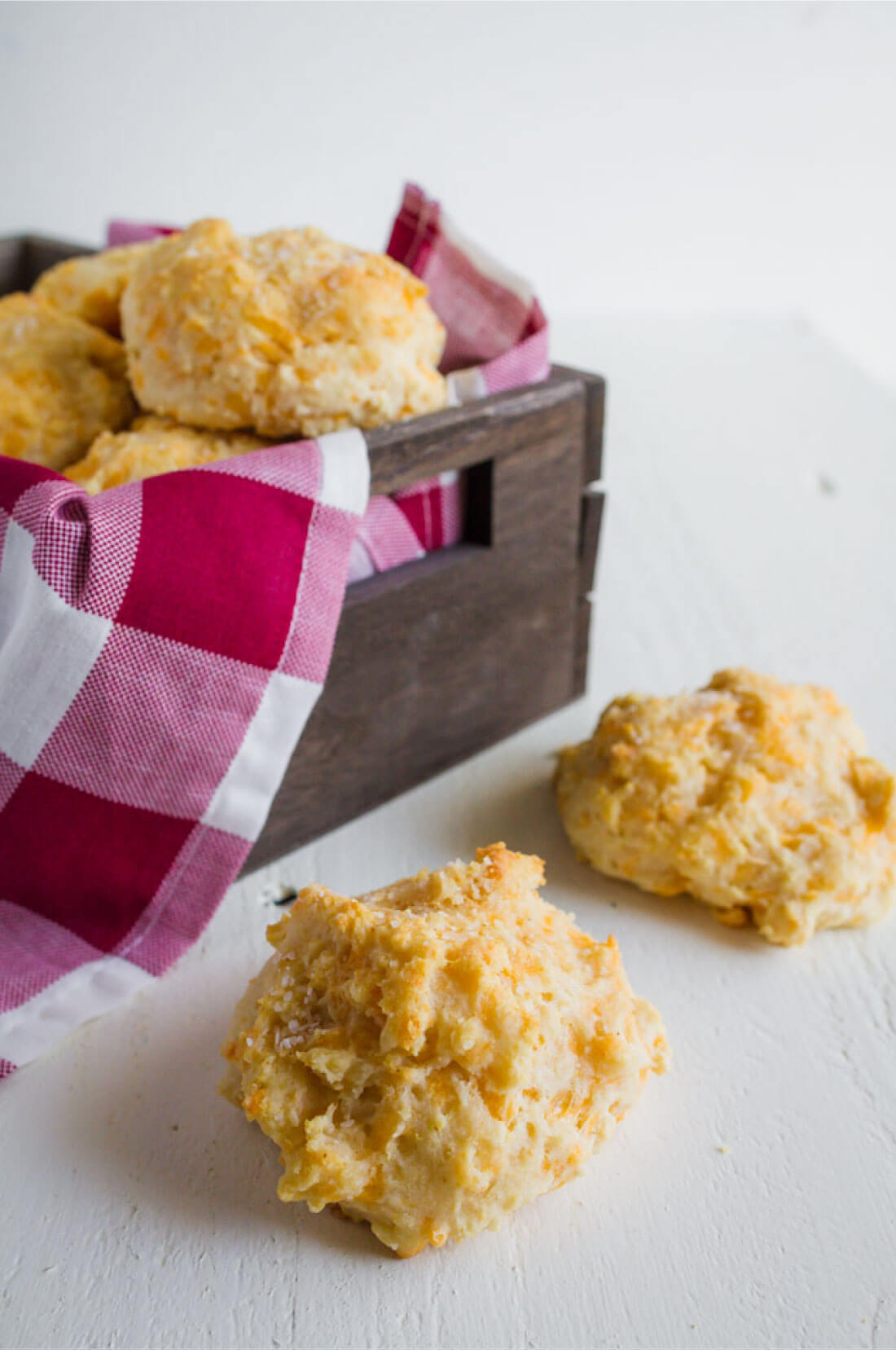 Homemade Biscuits - these melt in your mouth cheddar biscuits are not only easy to make but soooo good! from www.thirtyhandmadedays.com