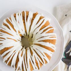 Pistachio Cake with Cream Cheese Glaze - a fun cake recipe for spring. from www.thirtyhandmadedays.com