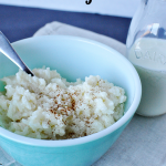 4 Ingredient Rice Cooker Rice Pudding- the easiest rice pudding to make & tastes amazing! Plus giveaway from Thirty Handmade Days