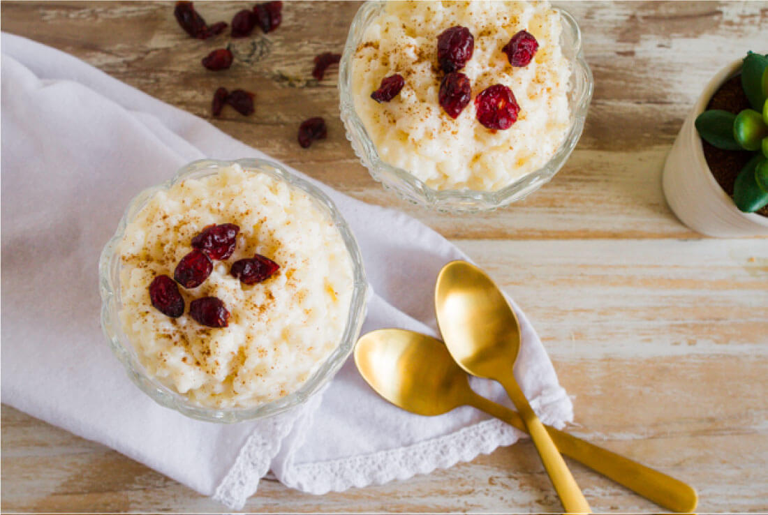 4 Ingredient Rice Cooker Rice Pudding - it's so easy to make and tastes so good! thirtyhandmadedays.com