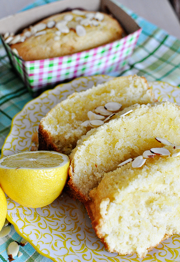 Glazed Lemon Bread - amazing and simple, light and fluffy. Yum yum!