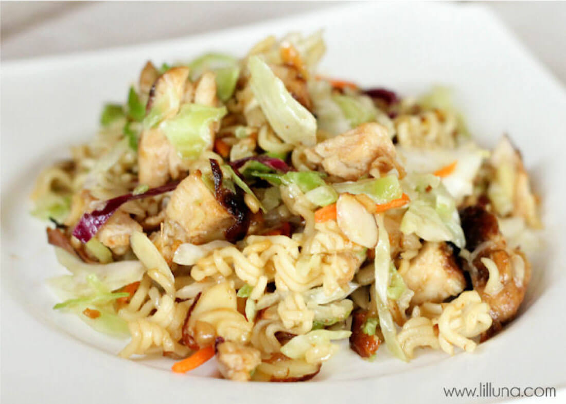Asian Coleslaw - a delicious side dish or main dish to try out. www.thirtyhandmadedays.com