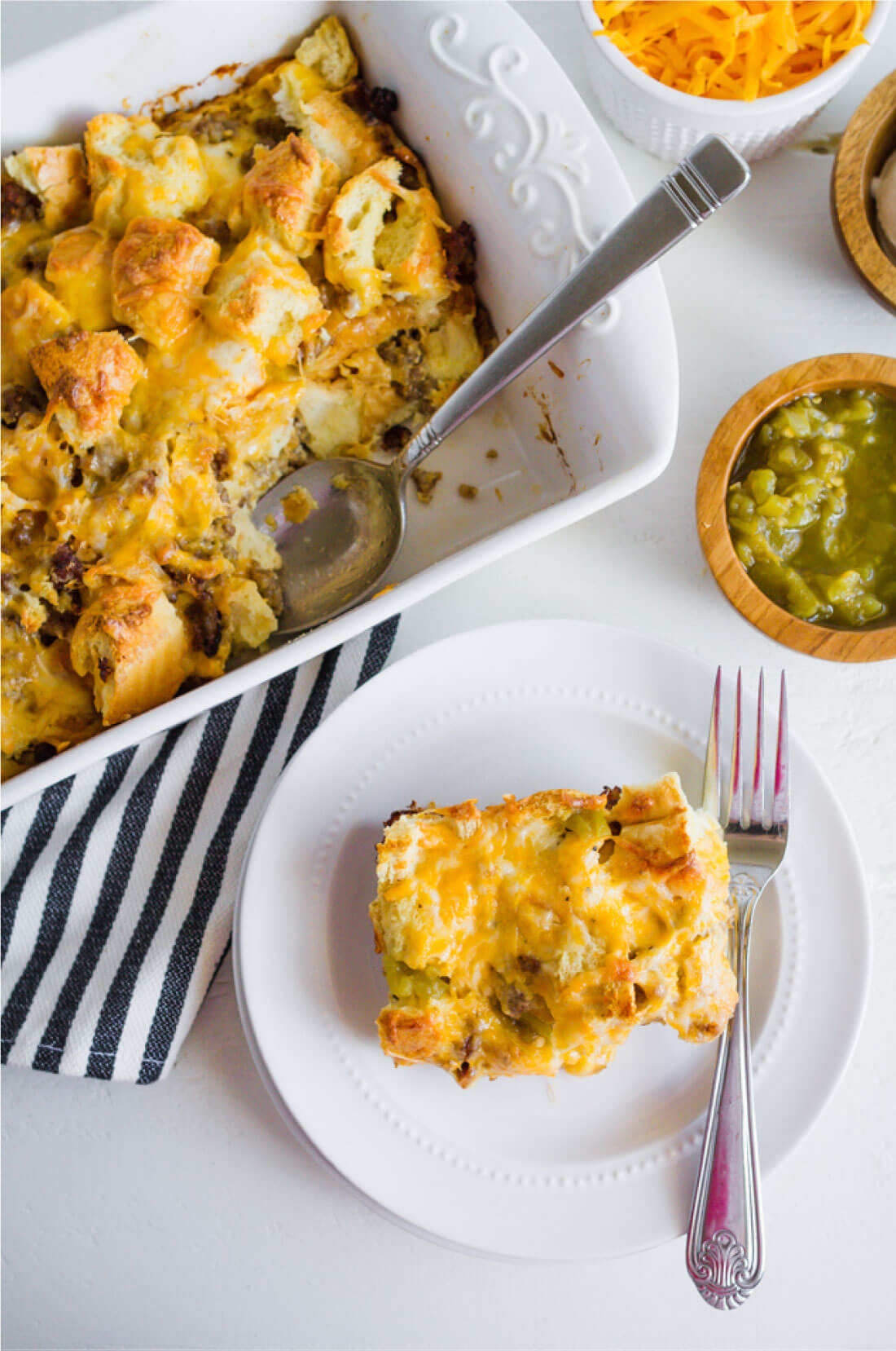 Mexican Breakfast Casserole - a simple breakfast to make that your family will love! thirtyhandmadedays.com