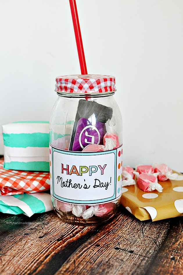 Printable Mother's Day Gift Idea- easy to make and add a little something to a simple gift.