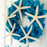 Super cute and easy to make Beach Cottage Wreath from Craftaholics Anonymous