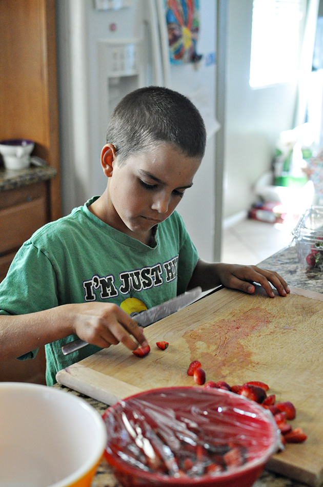 Kids can cook! Teach your kids to make basic recipes.
