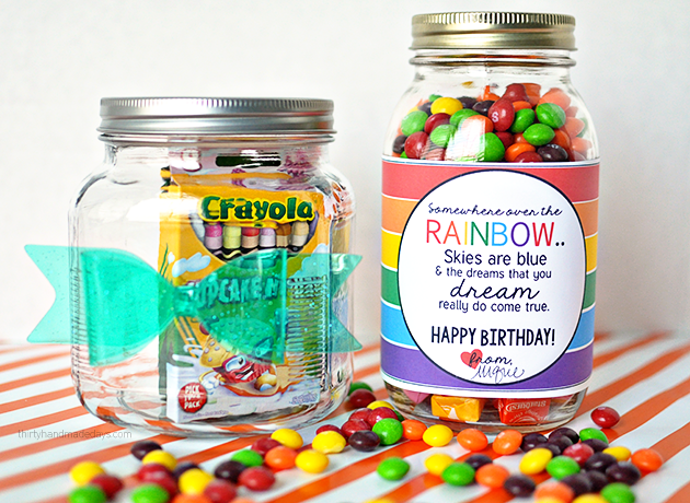 Cute gift idea- printable rainbow birthday tag  www.thirtyhandmadedays.com