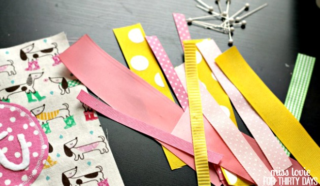 05 Baby Ribbon Tag Toy
