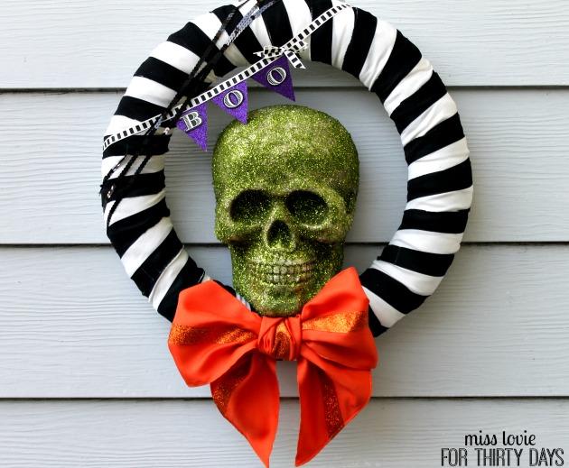 13 Skull Halloween Wreath