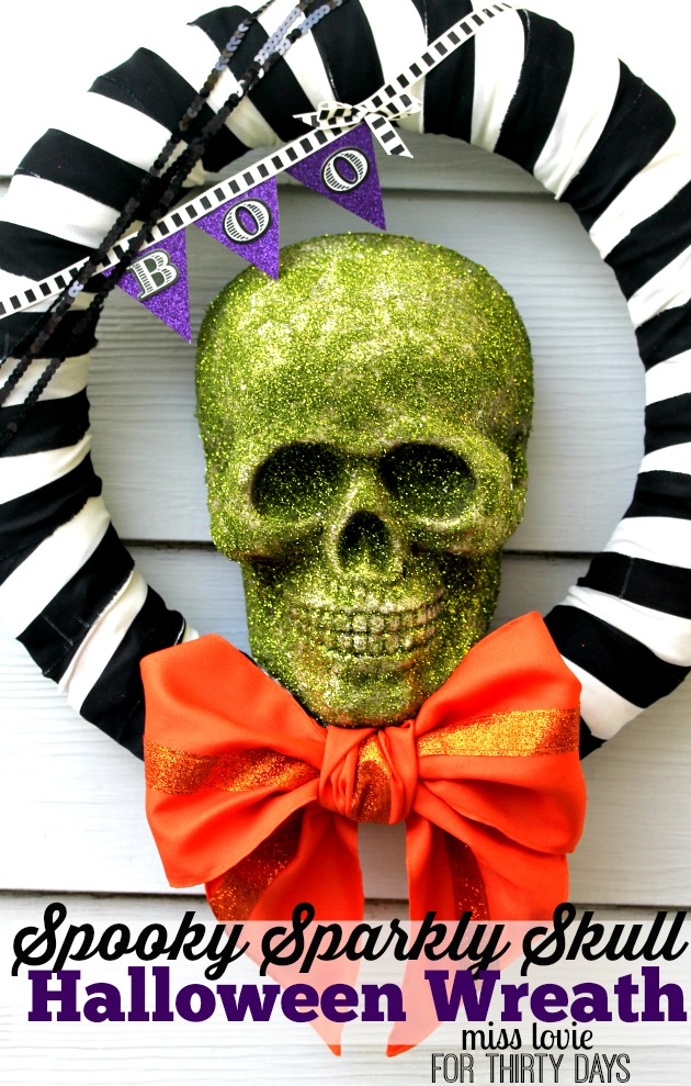 Spooky Sparkly Skull Halloween Wreath