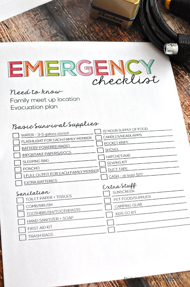 Printable Emergency Checklist www.thirtyhandmadedays.com