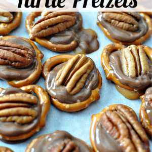 Super simple dessert - 3 Ingredient Turtle Pretzels www.thirtyhandmadedays.com
