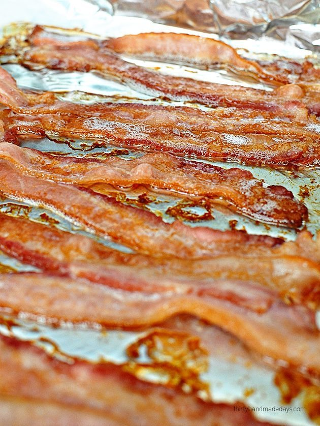 The easiest way to make bacon - in the oven! So simple and tastes fabulous. www.thirtyhandmadedays.com