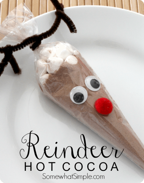 Adorable reindeer hot cocoa gift idea for Christmas!