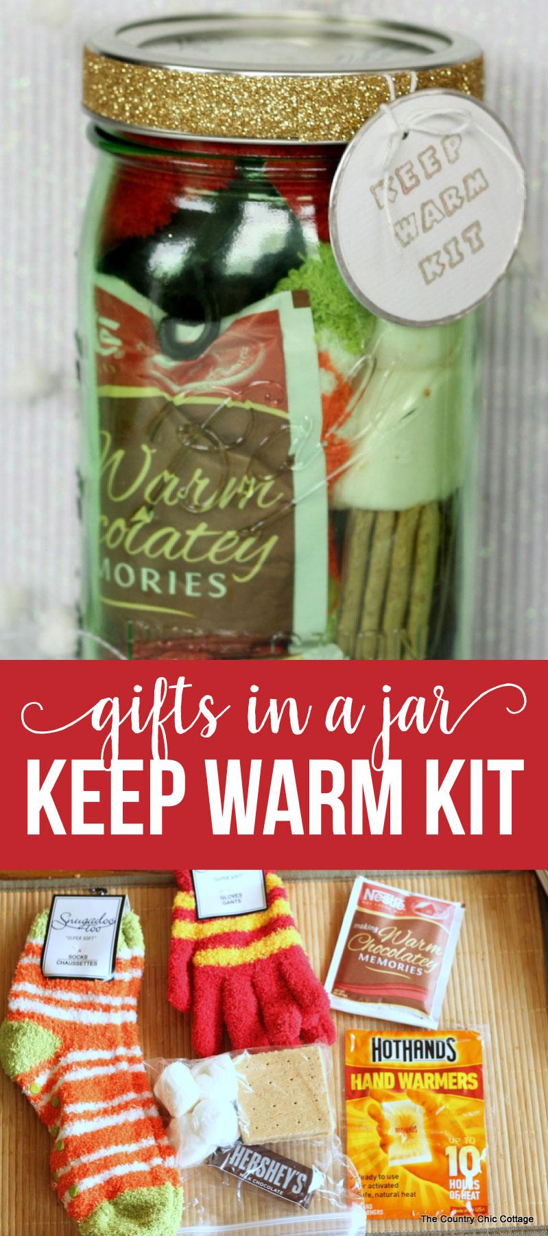 Keep Warm Kit - Gifts in a Jar .. a good Christmas gift idea for friends! via www.thirtyhandmadedays.com