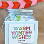 The perfect holiday gift - a hot chocolate kit with supplies and a printable www.thirtyhandmadedays.com